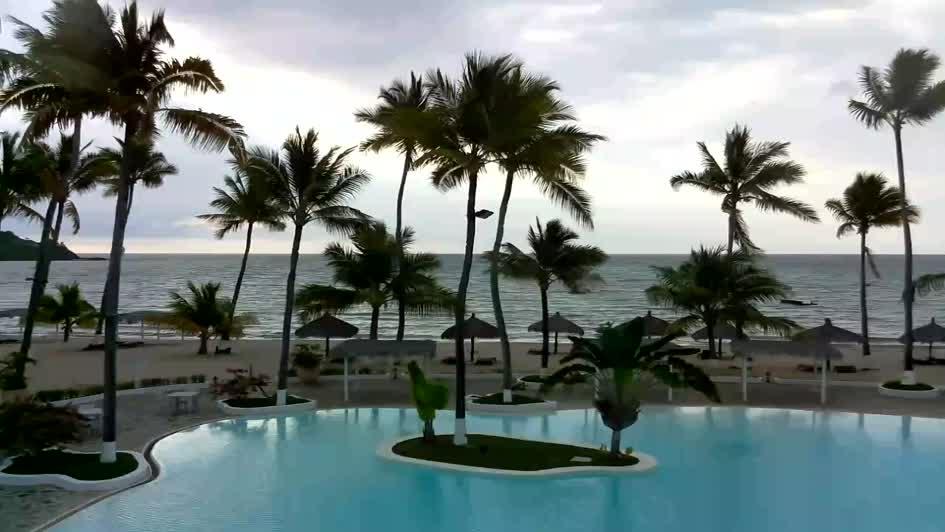 Веб камера - бассейн отеля Андилана на острове Нуси-Бе, Мадагаскар