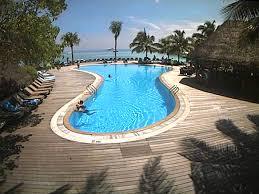 Онлайн веб камера Мальдивы остров Куреду бассейн