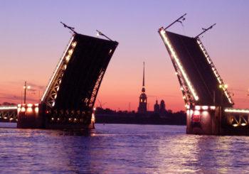 Онлайн веб камера Санкт-Петербурга Дворцовый мост