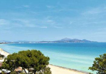 Онлайн веб камера пляж Испания Майорка побережье Сон-Серра-де-Марина