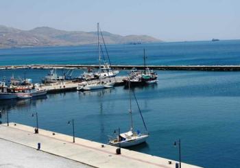 Онлайн веб камера Греция остров Эвбея порт Мармари