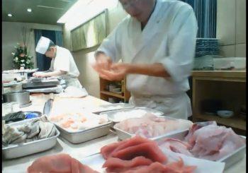 Онлайн веб камера кухня в суши-баре Tatsuro Sushi в Токио, Япония