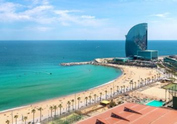 Онлайн веб камера пляж Сант-Себастиа, Барселона