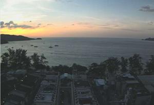 Онлайн веб камера Таиланд Пхукет пляж Патонг вид с отеля Patong Tower