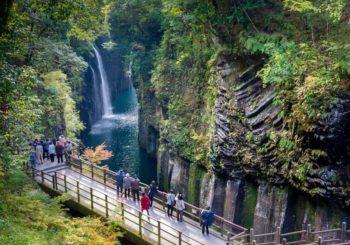 Онлайн веб камера водопад Миядзаки Такатихо, Япония